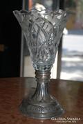 Metszett ólomkristály váza, ezüst talapzaton. Jelzett!