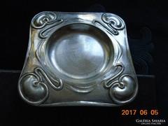 Szecessziós ezüstözött amerikai(?) érdekes tálka-9 x 9 cm