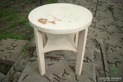 Fehér szalon asztal