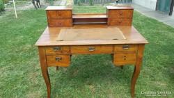 Neobarokk stílusú íróasztal eladó