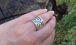 GÖRÖG futókutya mintás széles vastag ezüstgyűrű