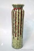 68/153 Illés kerámia váza, piros csíkos