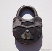 Antik kovácsoltvas lakat - 2