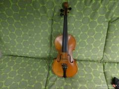 Tanúló hegedű