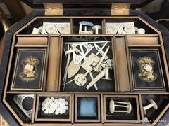 Sürgősen eladó!19 századi Keleti varródoboz,csont kellékek!