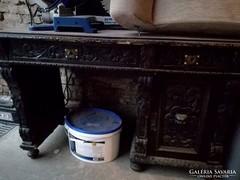 Neoreneszánsz asztal