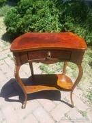 Antik XV.Lajos kis asztal.