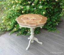 Vintage intarziás kis asztal