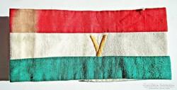 Nemzeti színű V. karszalag, hímzett
