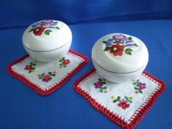 Eredeti Kalocsai porcelán bonbonier ajándék terítővel