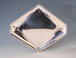Ezüst art deco tálca gyöngydekorral
