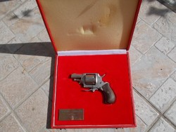 Belga bulldog revolver 1878 hatástalanítva