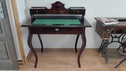 Antik naobarokk felépítményes női íróasztal