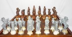 Gyönyörű réz és cink nagy figurákkal sakk készlet dobozában