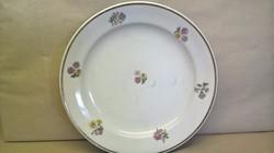 Virágos Zsolnay tányér.