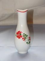 Hollóházi váza-, virág motivummal