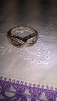 Szépséges ródiumozott ezüst gyűrű foglalt mikro cirkon kövek