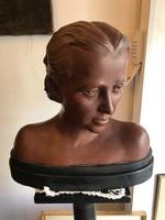 Női mell szobor + posztamens