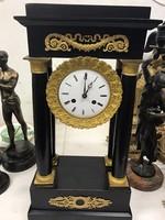 Tart még a kánikula ár!  Empire bronz és aranyozott fa óra.