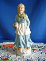 ARPO biszkvit porcelán: anyóka kosárral