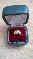 Kis méretű arany gyűrű