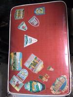 RÉGI  bőrönd 12.UTAZÓ CÍMKÉKKEL