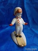 Kispest kerámia síelő fiú figura