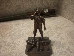 Bronz szobor....