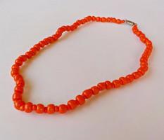 Narancssárga üveg gyöngyös nyaklánc