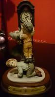 Leonardo jezésü figurális szobor
