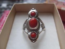 Látványos Ezüst Gyűrű Korál Drágakövekkel 8,6g