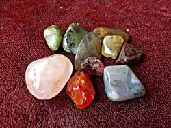 10 db. ásvány , karneol, akvamarin , prehnit, rubin-zoisit
