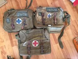 3 darab régi háborús sorszámozott elsősegély táska katonai (egyben)