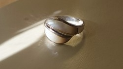 Ezüst gyűrű 925 gyöngyházberakással díszítve