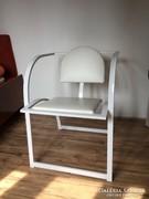 Különleges fém szék