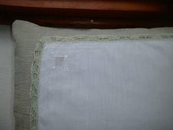 1348. Díszzsebkendő - hímzett