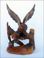 Faragott 2 figurás sas szobor , nagy méret , jól kidolgozott látványos darab