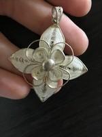 Gyönyörű nagyméretű ezüst virág medál