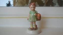Porcelán kislány