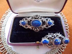 Antik jelölt ezüst, kék lápiszos bross
