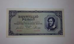 Egymillió Pengő 1945-ös hibátlan hajtatlan UNC  bankjegy !!