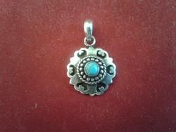 Türkíz köves antik medál