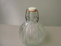 Nagyon ritka antik barázdált,gerezdes csatos palack,pálinkás üveg 0,5literes