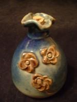 Díszpalack ,plasztikus Rózsákkal