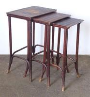 0N575 Jelzett antik bécsi thonet kisasztal 3 darab