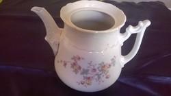 Tea kiöntő