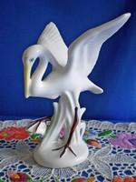 Porcelán gólya madár