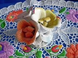 Különleges jelzett porcelán virág csokor 2.