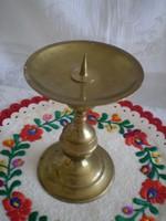 Réz gyertyatartó 15 cm magas, tányér formával a tetején