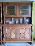 Koloniál tálaló szekrény